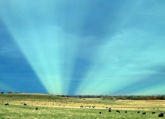 rare sky phenomenon, ske phenomenon, antcrepuscular rays, Boulder Colorado, pictures of anticrepuscular rays