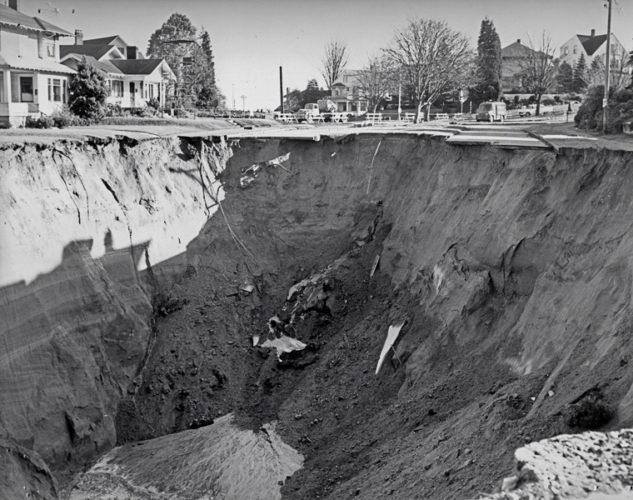 the great ravenna boulevard sinkhole in seattle 1957