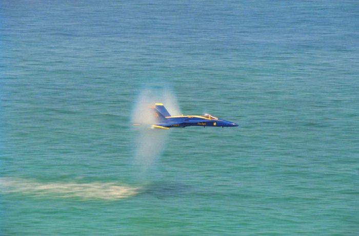jet sonic booms