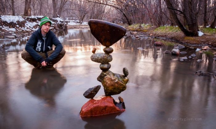 Discover amazing rock balancing art by Michael Grab: photos and video, amazing photos of rock stacking by Michael Grab, rock stacking, rock balancing, rock stacking michael grab, rock balancing michael grab, rock balancing art, rock stacking art, best rock stacking photo, photo amazing art, stone balancing art, stone stacking art photo, Rock balancing sculptures by Michael Grab are amazing