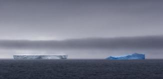 Blue and white iceberg, blue iceberg antarctica, icerberg antarctica, iceberg antarctica, pictures of antarctica, pictures of antarctica icebergs, pictures of antarctica iceberg, wonderful antarctica
