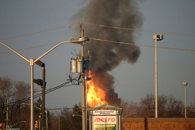 loud booms in windsor virginia due to oil storage explosion april 2013