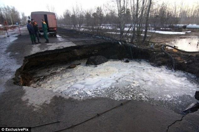 sinkhole fear in Samara russia 2013