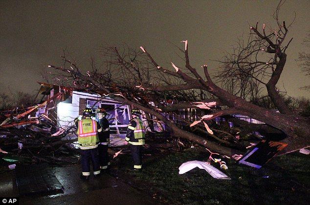 Apocalypse tornado pictures in Missouri and Arkansas april 2013