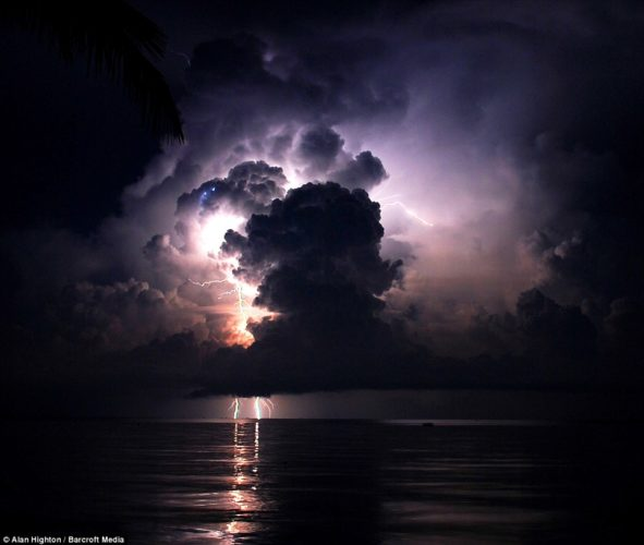 "catatumbo lightning, catatumbo lightning pics, catatumbo lightning photo, catatumbo lightning video, Relámpago del Catatumbo"", Catatumbo lightning, catatumbo lightning venezuela, Everlasting Lightning Storm, Everlasting Lightning Storm venezuela, Everlasting Lightning Storm catatumbo, mysterious phenomena around the world: catatumbo lightning venezuela, Venezuela's Everlasting Lightning Storm, catatumbo Everlasting Lightning Storm, Catatumbo lightning in Venezuela, Catatumbo lightning storm, Ikaria island during a severe thunderstorm that took place the night of the total lunar eclipse at June 15, 2011. Photo by Chris Kotsiopoulos"