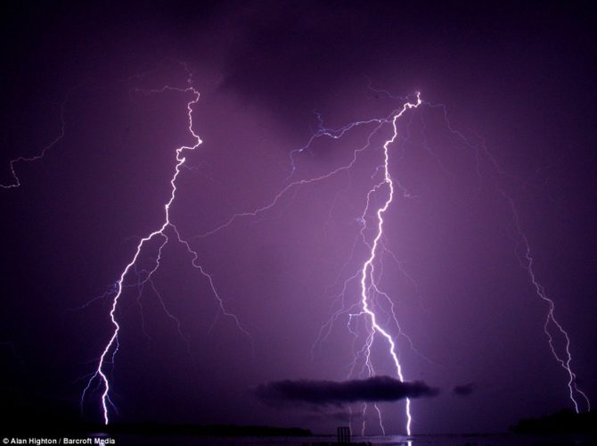 "catatumbo lightning, catatumbo lightning, catatumbo lightning pics, catatumbo lightning photo, catatumbo lightning video, Relámpago del Catatumbo"", Catatumbo lightning, catatumbo lightning venezuela, Everlasting Lightning Storm, Everlasting Lightning Storm venezuela, Everlasting Lightning Storm catatumbo, mysterious phenomena around the world: catatumbo lightning venezuela, Venezuela's Everlasting Lightning Storm, catatumbo Everlasting Lightning Storm, Catatumbo lightning in Venezuela, Catatumbo lightning storm, Ikaria island during a severe thunderstorm that took place the night of the total lunar eclipse at June 15, 2011. Photo by Chris Kotsiopoulos"
