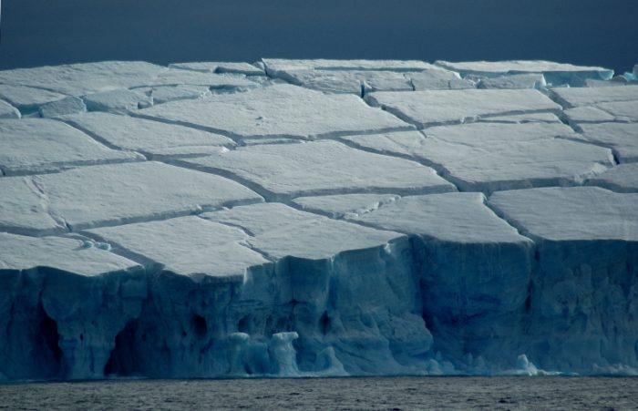 antarctica icebergs, antarctica icebergs photo, antarctica icebergs pictures, antarctica icebergs images, amazing pictures of antarctica icebergs, wonderful photograph of an iceberg in antarctica, picture of blue and white iceberg in Antarctica, picture of cracked and eroded iceberg in antarctica