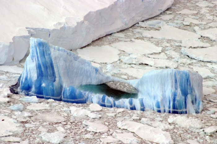 antarctica icebergs, antarctica icebergs photo, antarctica icebergs pictures, antarctica icebergs images, amazing pictures of antarctica icebergs, wonderful photograph of an iceberg in antarctica, picture of blue and white iceberg in Antarctica