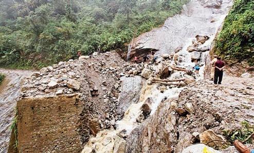 arunachal Pradesh landslide april 2013