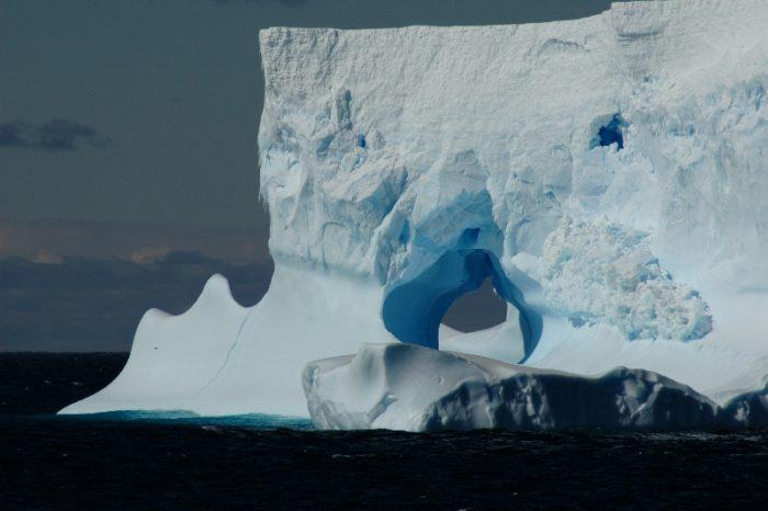 antarctica icebergs, antarctica icebergs photo, antarctica icebergs pictures, antarctica icebergs images, amazing pictures of antarctica icebergs, wonderful photograph of an iceberg in antarctica, picture of blue and white iceberg in Antarctica, picture of cracked and eroded iceberg in antarctica, high resolution pictures of antarctica icebergs
