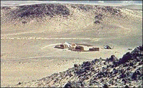 hotel in Richat structure, you can sleep on the richat structure, discover at richat structure, visit geological treasure of sahara, visit sahara treasures, visit richat structure in Maur Adrar desert mauritania, sleep on the richat structure, stare into the eye of sahara