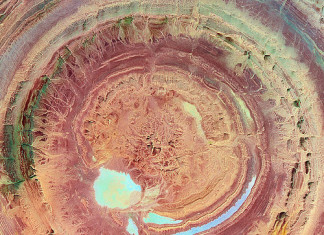 mysterious geological formation in Mauritania: the Richat structure