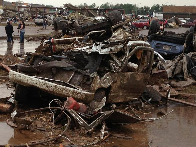 destruction of moore after tornado may 2013