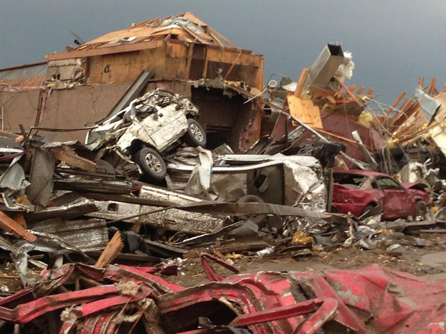 tornado in Moore debris and devastation photo