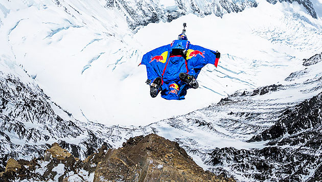 Valery Rozov jumps from north face of everest, sprung vom everest, saut de l'everest, russe saute de l'everest, russian guy jumps from everest, highest jumps ever, base jump video everest may 2013, may 2013 base jump everest, north face everest base jump russian, russian base jumper makes everest, everest base jump video and photo, base jump falls from everest 2013, base jump video may 2013