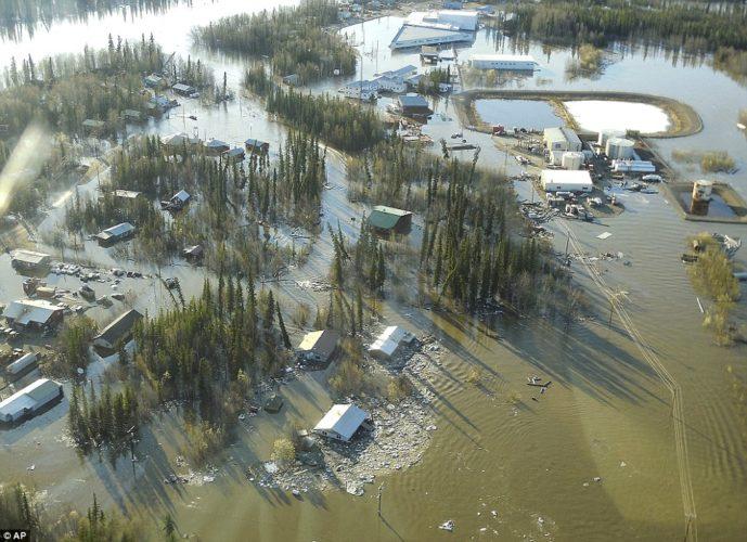 ice jam yukon river floods in Alaskan Galena may 2013