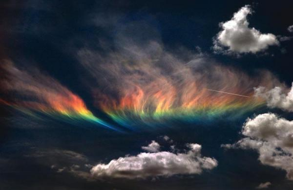 fire rainbow Idaho, Amazing Fire Rainbow Clouds, Circumhorizontal Arc, Pictures, Amazing Fire Rainbow Clouds - Circumhorizontal Arc - Pictures, Amazing Fire Rainbow Clouds pictures, Circumhorizontal Arc Pictures, how fire rainbow form, multicolor cloud in the sky, rainbow cloud, cloud with rainbow color