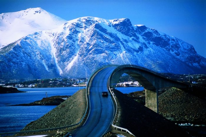 beautiful atlantic ocean road