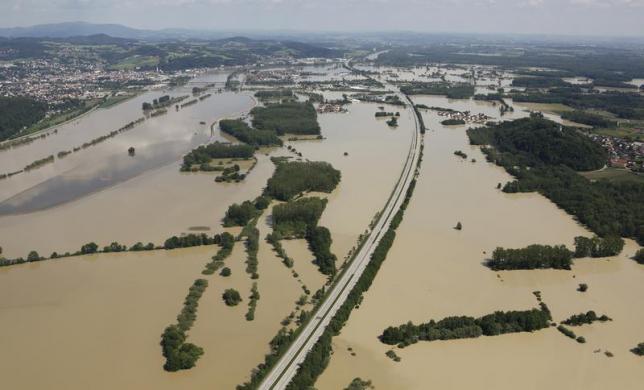 germany's flood magdeburg elbe june 2013