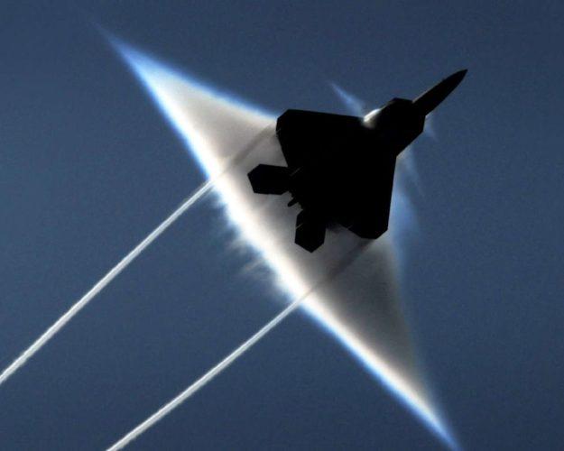 F-22 Raptor's Sonic Boom cloud