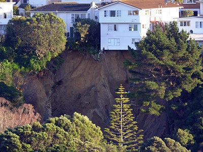 massive landslide wellington june 2013, landslide wellington june 2013
