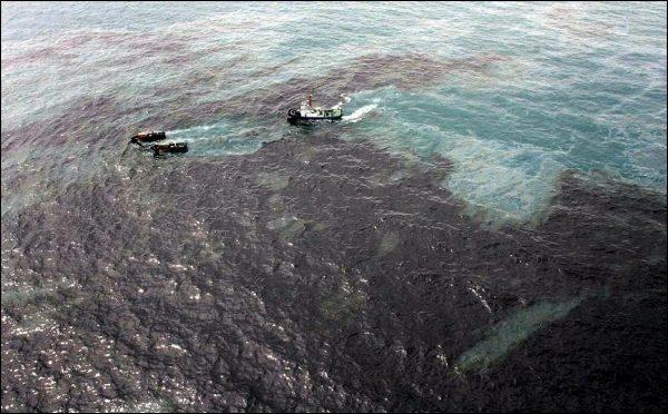 devastating oil spill in Thailand reached Ko Samet