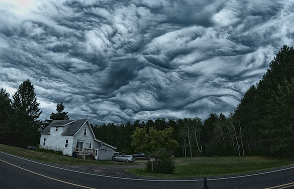 mysterious asperatus undulatus cloud formation