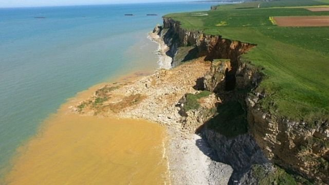 eboulement falaise france calvados, amazing cliff landslide in France calvados