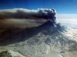 volcano eruption noise, volcano hum, volcano sound, volcano noise, volcano emits sound during eruption, Mount Redoubt in Alaska