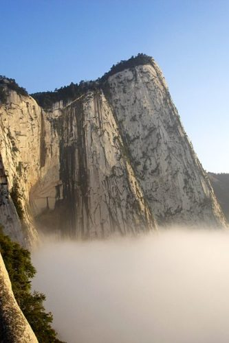 Hua Shan is one of one of China's Five Great Mountains, mount hua in china has a dangerous path, discover mount hua