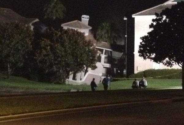 sinkhole in clermont florida swallows a building: US Sinking Building Resort