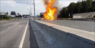 truck explodes 40 times on gazelle kashira highway in moskow, gas canister truck explodes 40 times in moscow