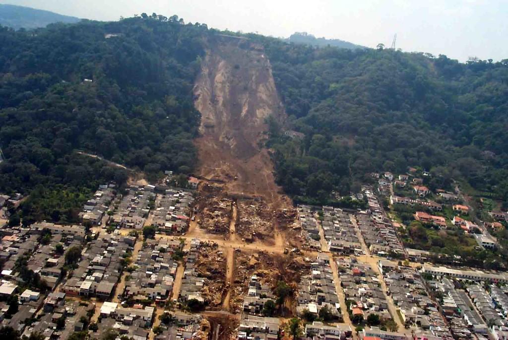 landslide central america puerto rico landslide august 2013, landslide august 2013, landslide and mudslide news, natural disaster news, amazing video of typhoone trema in Taiwan, taiwan trema dam flood video, strange weather phenomena