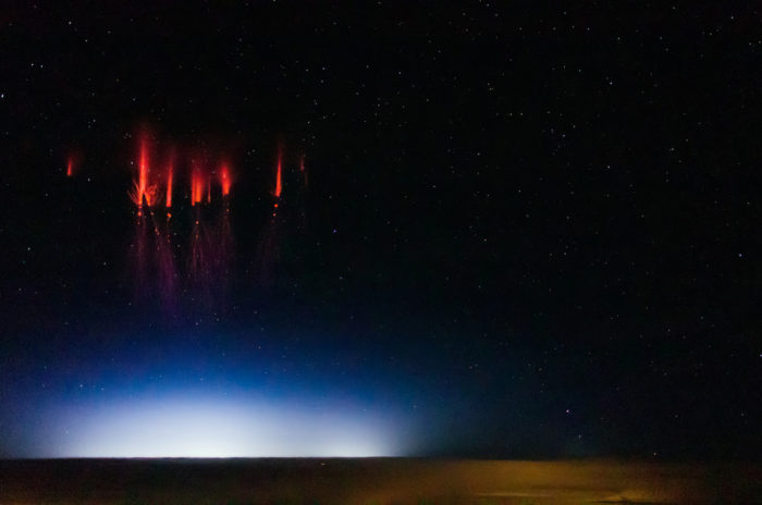 red sprites, red sprites photo, red sprites lightning, red sprites phenomenon, mysterious red sprites phenomena, red sprites space weather phenomenon, sprites photo and video, Red sprites over Nebraska, August 12, 2013 by Jason Ahrns, red sprites, red sprites photo and video, red sprites phenomenon, Mysterious red sprites form above thunderclouds (photo and video), What are these intriguing red lights forming over thunderstorms? Discover the mysterious red sprite lightnings, red sprites and red lightning in Nebraska, red sprites, red lightning, sprites, sprites are strange electrical phenomena that occur in the upper atmosphere, Sprites are large-scale electrical discharges that occur high above thunderstorm clouds, rare sprites video, rare sprites photo, best sprite photo, best sprite video, strange earth phenomenon, weird phenomenon in the sky, strange weather phenomenon, strange weather phenomenon on earth, strange phenomenon on earth, Sprites appear as luminous reddish-orange flashes, sprites have an orange color, red sprites video, red sprites photo