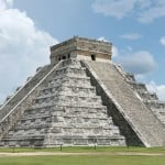 Chichen Itza: El Castillo (pyramid of Kukulcán) in Chichén Itzá