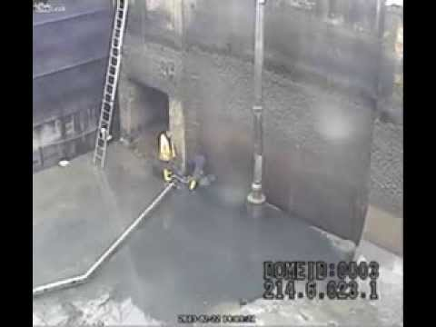 Shock video of two workers overwhelmed by water, italia death worker large wave, large wave kill workers in Italy video, video large wave killing workers in Italy, large wave kills workers in Colomagno Italy, Italy accident death video, video accident death 2013, death accident colomagno ferrara Italy 2013 shock video, amazing accident video, video of accident 2013, worst deadly accident in 2013, italy deadly accident video 2013, worst accident video 2013