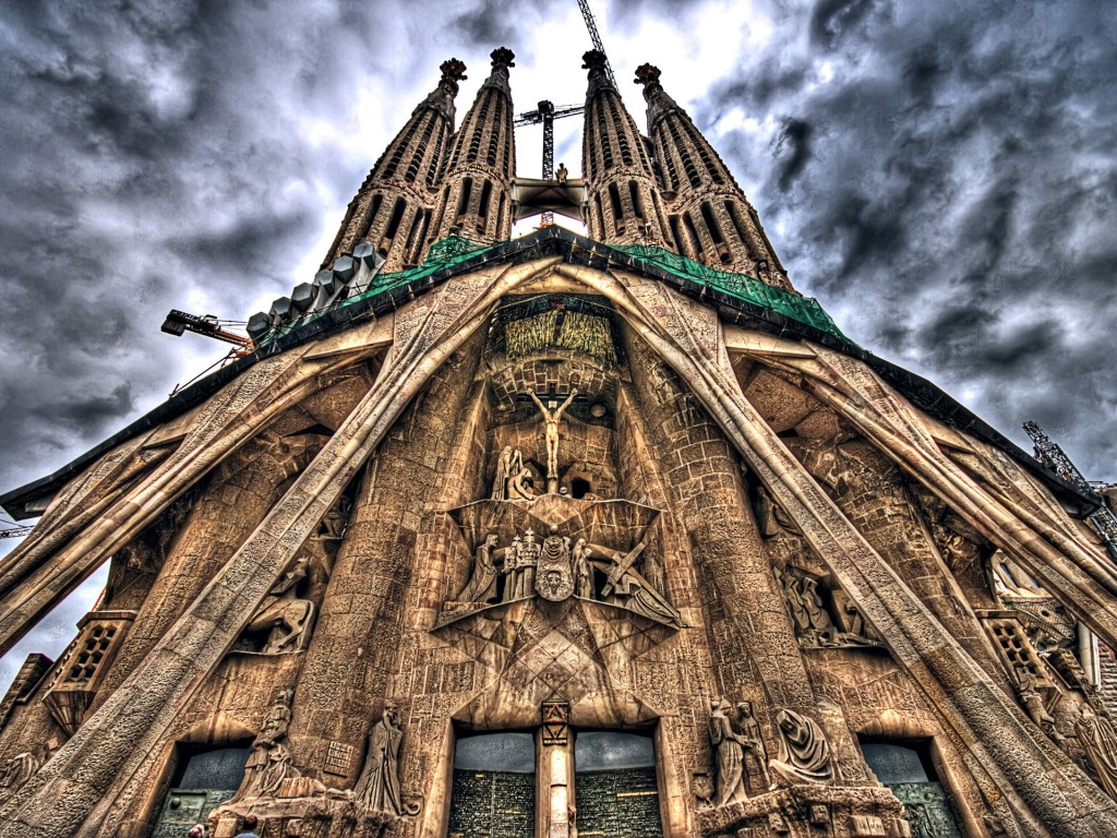 la sagrada familia in Barcelona, basilica sagrada familia, la sagrada familia Barcelona, gaudi's sagrada familia, gaudi's sagrada familia in barcelona, Recta final de l'obra mestra de Gaudí, Recta final de l'obra mestra de Gaudí: sagrada familia, Recta final de la obra maestra de Gaudí, Recta final de la obra maestra de Gaudí: sagrada familia, aline-like church, alien-like chruch: sagrada familia, construction of sagrada familia, discover barcelona: sagrada familia, the amazing sagrada familia in Barcelona, weird achitecture: discover the sagrada familia in barcelona, visit tips: sagrada familia barcelona, discover barcelona: visit sagrada familia, architecture, sagrada familia, antoni gaudi architecture, barcelona, videoconstruction sagrada familia