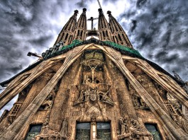 la sagrada familia in Barcelona, basilica sagrada familia, la sagrada familia Barcelona, gaudi's sagrada familia, gaudi's sagrada familia in barcelona, Recta final de l'obra mestra de Gaudí, Recta final de l'obra mestra de Gaudí: sagrada familia, Recta final de la obra maestra de Gaudí, Recta final de la obra maestra de Gaudí: sagrada familia, aline-like church, alien-like chruch: sagrada familia, construction of sagrada familia, discover barcelona: sagrada familia, the amazing sagrada familia in Barcelona, weird achitecture: discover the sagrada familia in barcelona, visit tips: sagrada familia barcelona, discover barcelona: visit sagrada familia, A picture of the Sagrada Familia from Gaudi in Barcelona. It really looks like an alien church!