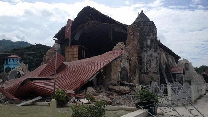 PHILIPPINES QUAKE damages and news, philippines quake kills 20 people october 15 2013, philippines quake october 15 2013, philippines quake october 2013, deadly philippines quake october 15 2013