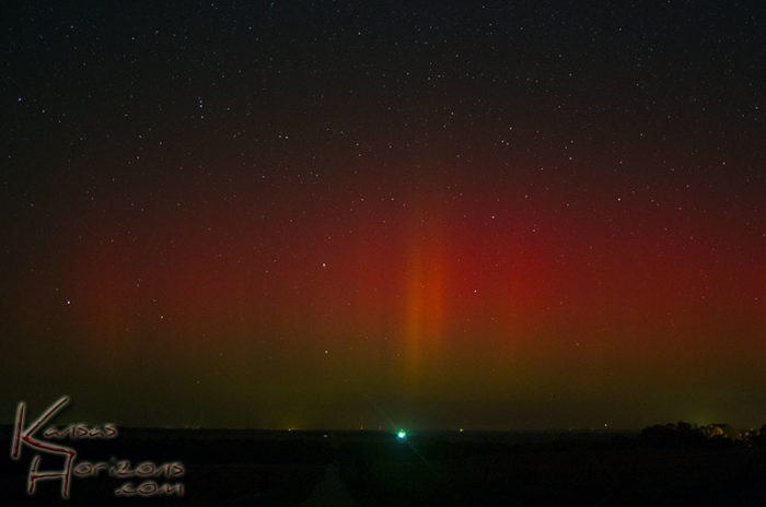 red Aurora on the Kansas Horizon on October 1 2013, red Aurora Kansas october 1 2013, us aurora october 2013, red aurora usa 2013, rare blood red northern lights october 2013, rare blood red northern lights in Kansas october 2013