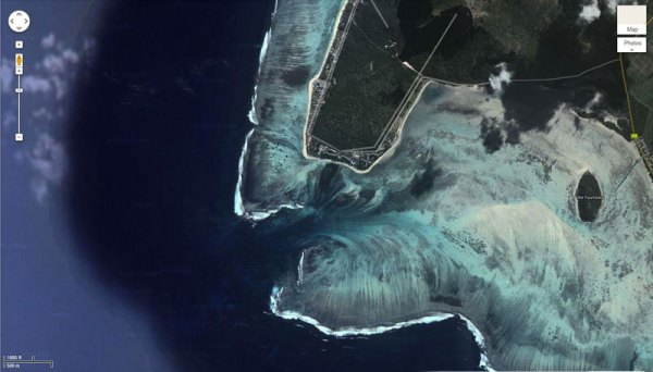 underwater waterfall in mauritius satellite view, satellite picture underwater waterfall mauritius