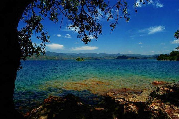 kivu, lake kivu, lake kivu rwanda, exploding lake kivu, lake kivu time bomb, natural time bomb: lake kivu, killer lake kivu, killer lake: Lake Kivu in Rwanda