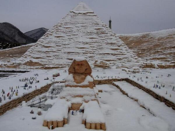 Sphinx covered by snow in Egypt - December 2013, snow in Egypt, sphinx under snow