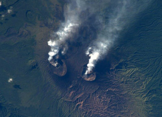 volcanic eruption, double volcanic eruption, Double volcano eruption in Vanuatu, vanuatu double volcanic eruptions, two volcanoes erupt in the same archipelago in Vanuatu,