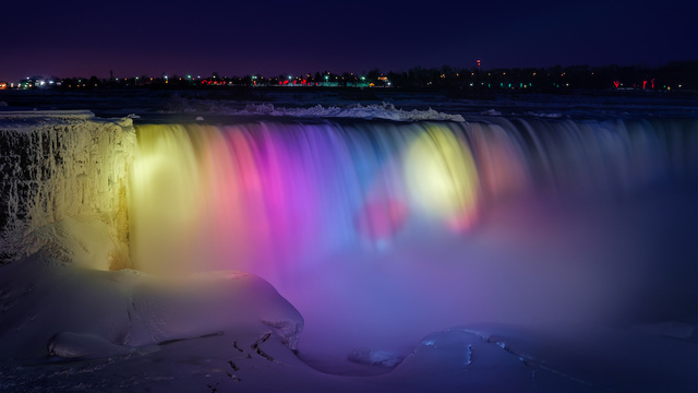 Niagara Falls, Niagara Falls photo, Niagara Falls photo at night, frozen Niagara Falls photo -january 2014, niagara Falls by night photo-January 2014, frozen and colored niagara falls, frozen niagara falls, frozen niagara falls at night- january 2014, Niagara Falls by Night - January 2014, Horseshoe Falls - Niagara Falls, ON, frozen Horseshoe Falls, frozen niagara falls january 2014, multicolor Niagara Falls at night, multicolor and frozen niagara falls at night- January 2014