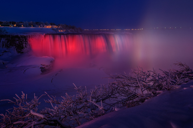 Raibow Horseshoe Falls, Niagara Falls, ON - January 2014, frozen and rainbow niagara falls 2014, frozen niagara falls 2014