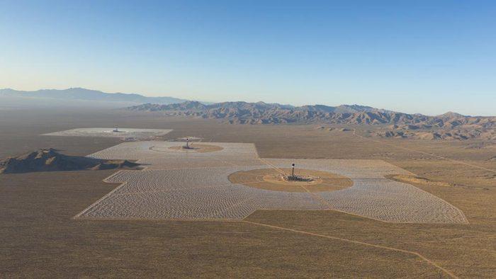 Ivanpah solar plant in the Mojave Desert- February 2014. Photo: BrightSource Energy, largest solar plant in the world in operation since february 2014, largest power plant in the world photo, Ivanpah solar plant in the Mojave Desert photo february 2014, Ivanpah solar plant in the Mojave Desert- February 2014 photo, Ivanpah solar plant in the Mojave Desert in operation - February 2014