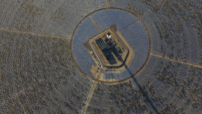 Ivanpah in operation, Ivanpah solar plant, Ivanpah in operation february 2014, world's largest solar power plant in operation since February 13 2014, Ivanpah the world's largest solar plant in the world is in operation since February 13 2014