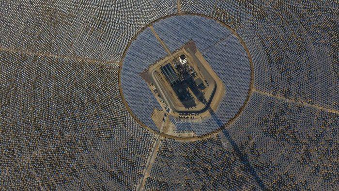 Ivanpah in operation, Ivanpah solar plant, Ivanpah in operation february 2014, world's largest solar power plant in operation since February 13 2014, Ivanpah the world's largest solar plant in the world is in operation since February 13 2014