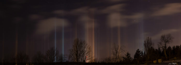 strange sky phenomenon: light pillars photo in Ontario february 2014, light pillar february 2014, best light pillar photo 2014, Amazing cold weather phenomenon: Photos of light pillars over Peterborough, Ontario - February 25 2014